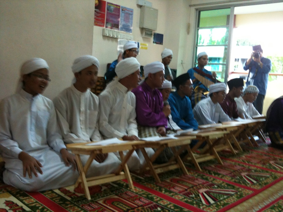 The nasyid performance